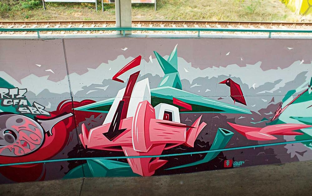 S-Bahn Berlin Raoul-Wallenberg-Straße Graffiti-Art mit Gesicht