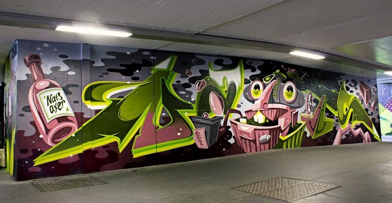 S-Bahn Berlin Raoul-Wallenberg-Straße Graffiti-Art mit Monster und Typografie