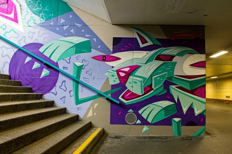 S-Bahn Berlin Raoul-Wallenberg-Straße Graffiti-Art mit Katze