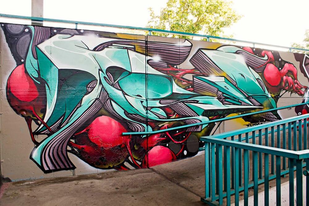 S-Bahn Berlin Raoul-Wallenberg-Straße Graffiti-Art mit Formen