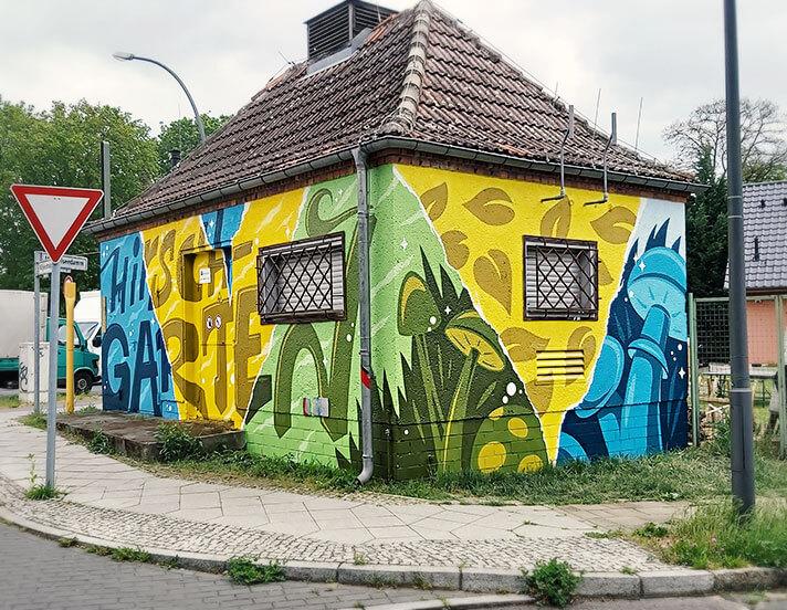 Versorgungsunternehmen GASAG: Graffiti Gestaltung am Gebäude
