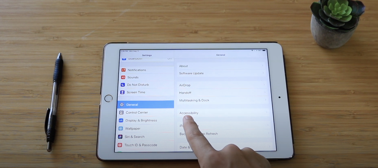 Setting up an iPad for seniors via the accessibility settings