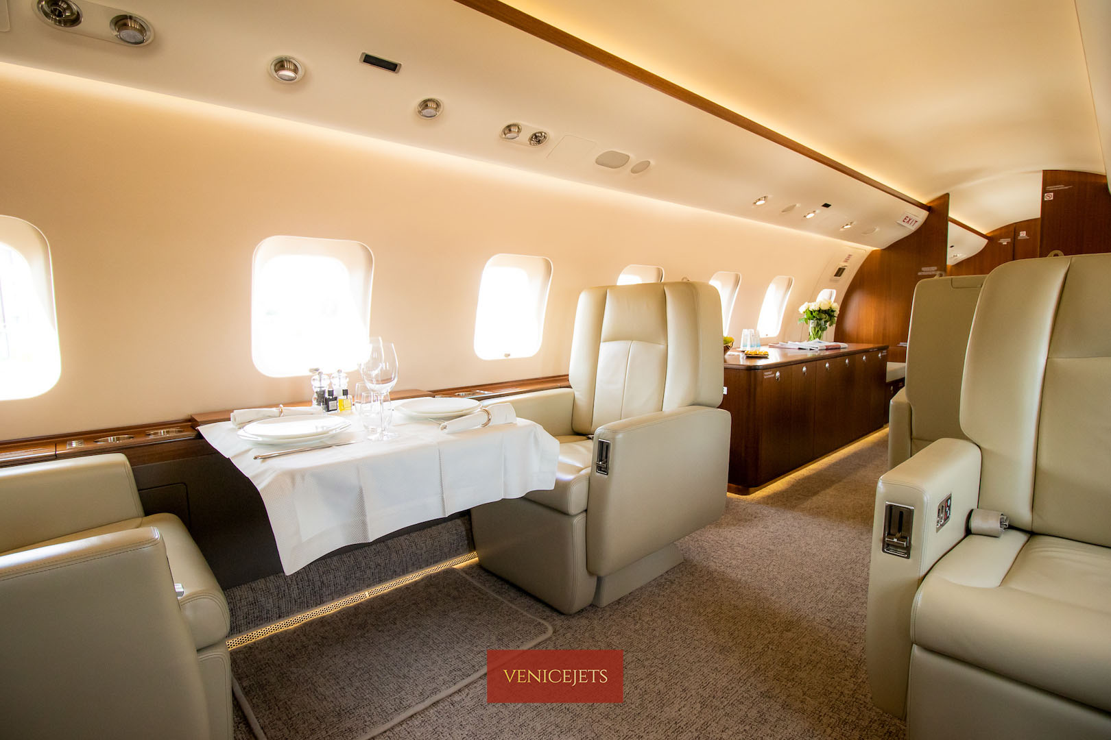 Global 6000 main cabin