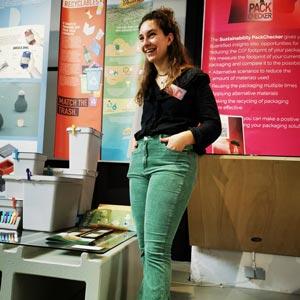 Janne van Hees presenting her project during Dutch Design Week