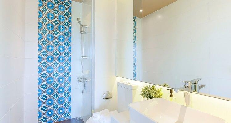 Phòng tắm căn hộ mẫu Palm Heights 2 phòng ngủ