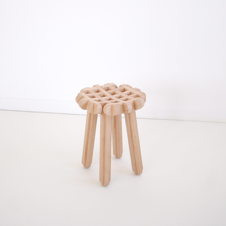 ublik-bois-gofr-tabouret-stool