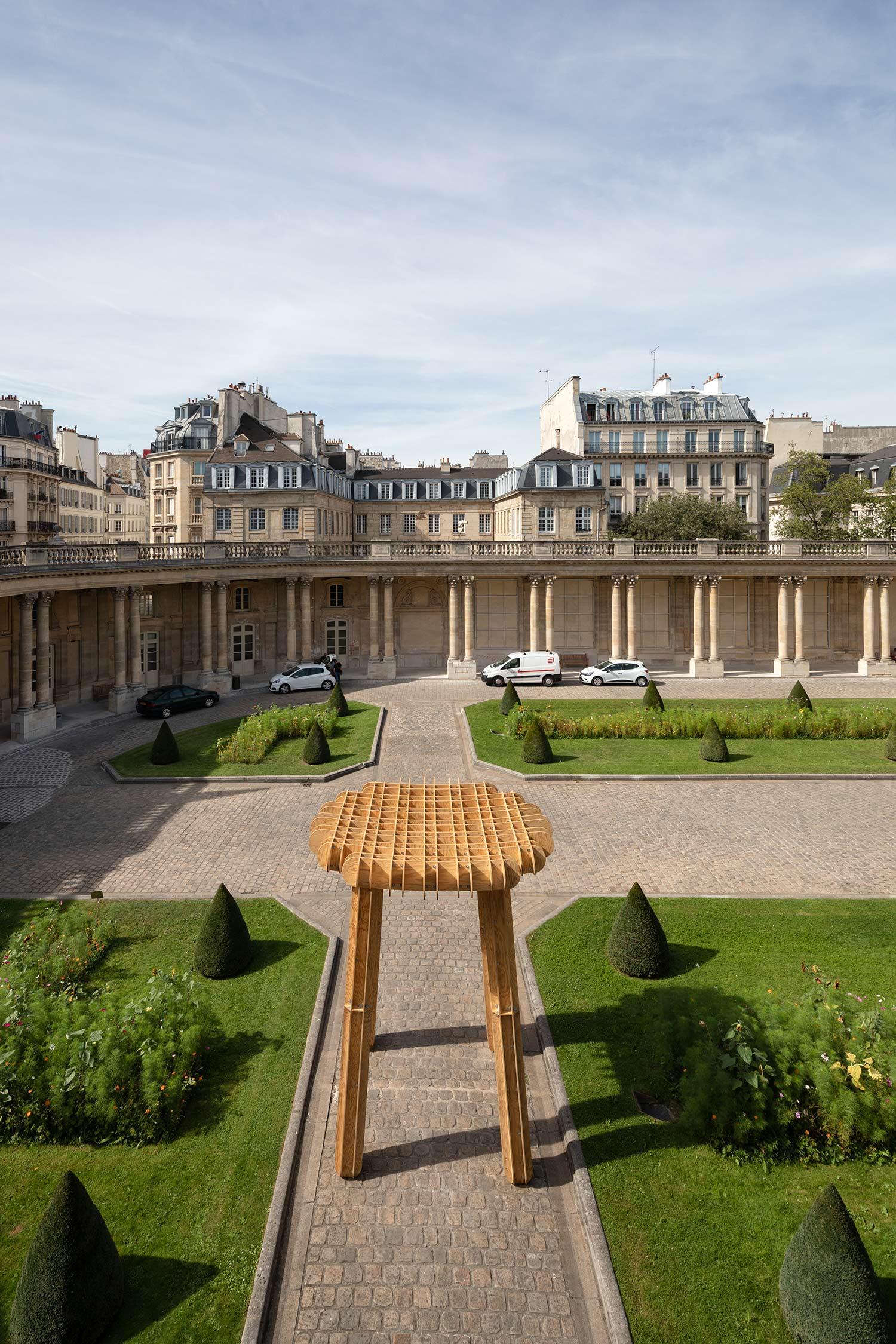 ublik-i-am-a-stool-pdw-2019-paris-design-week-installation