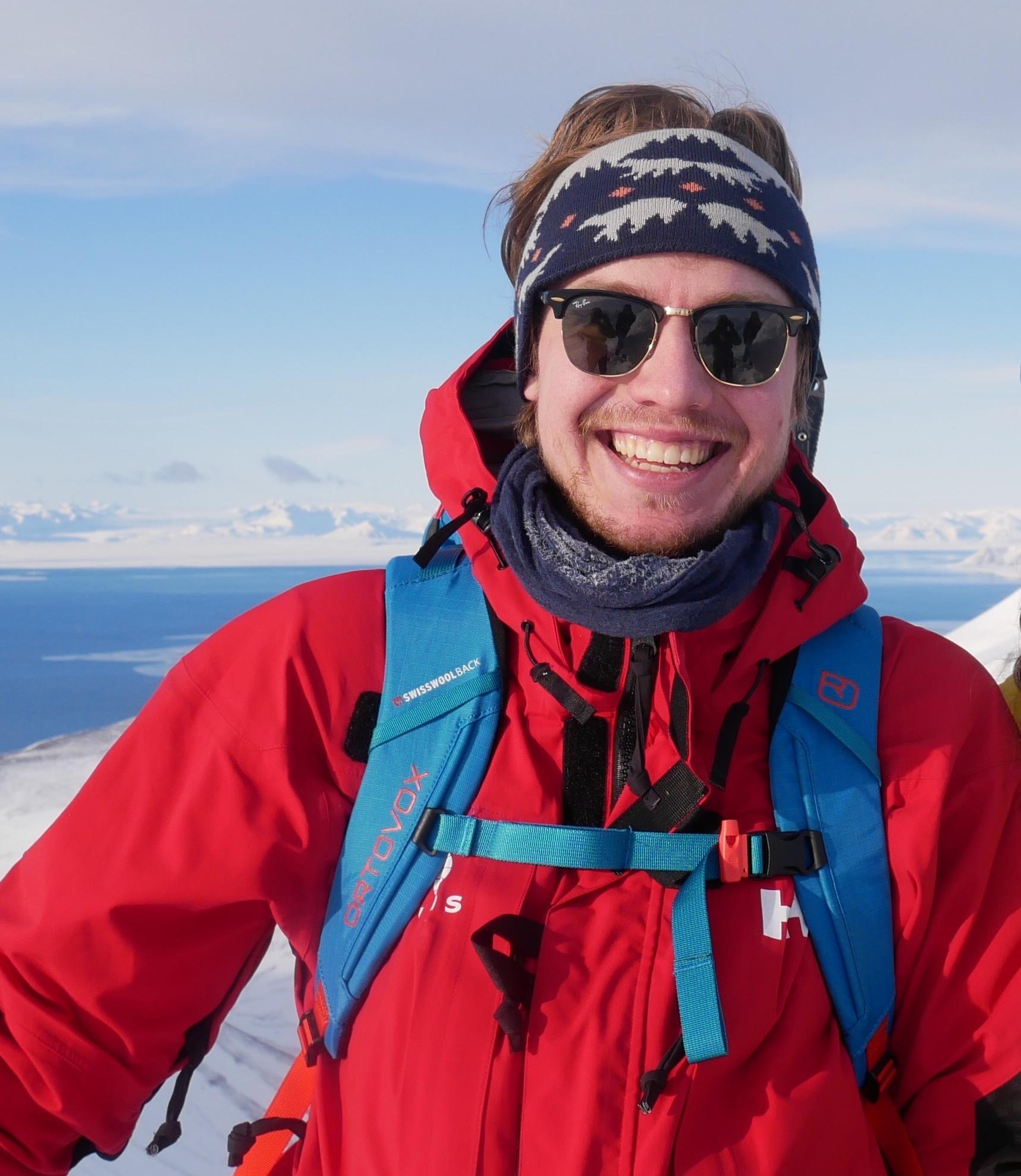 Portrett av Personlig Lærer Max på fjelltur