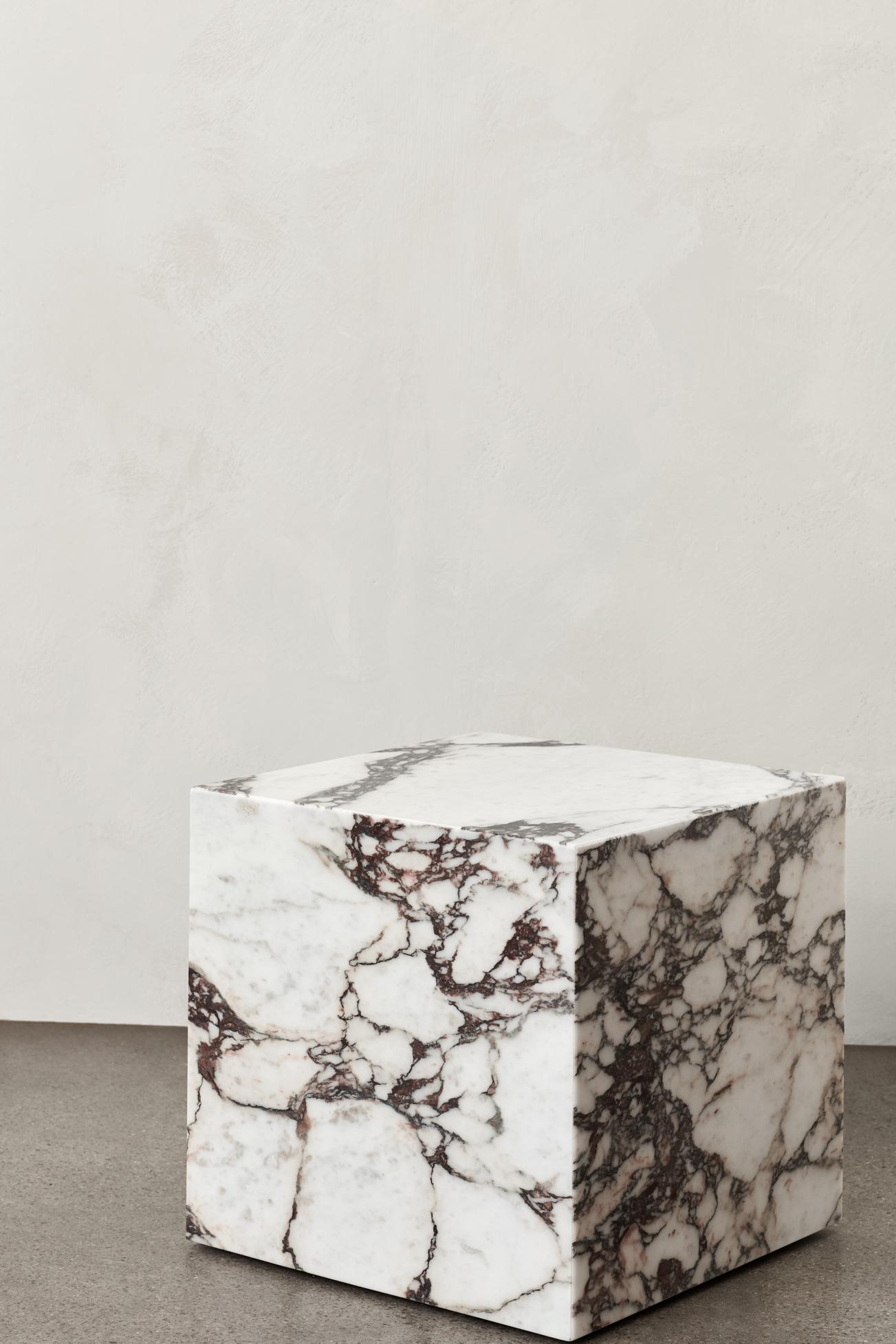 Plinth Cubic Rose Marble Calacatta Viola