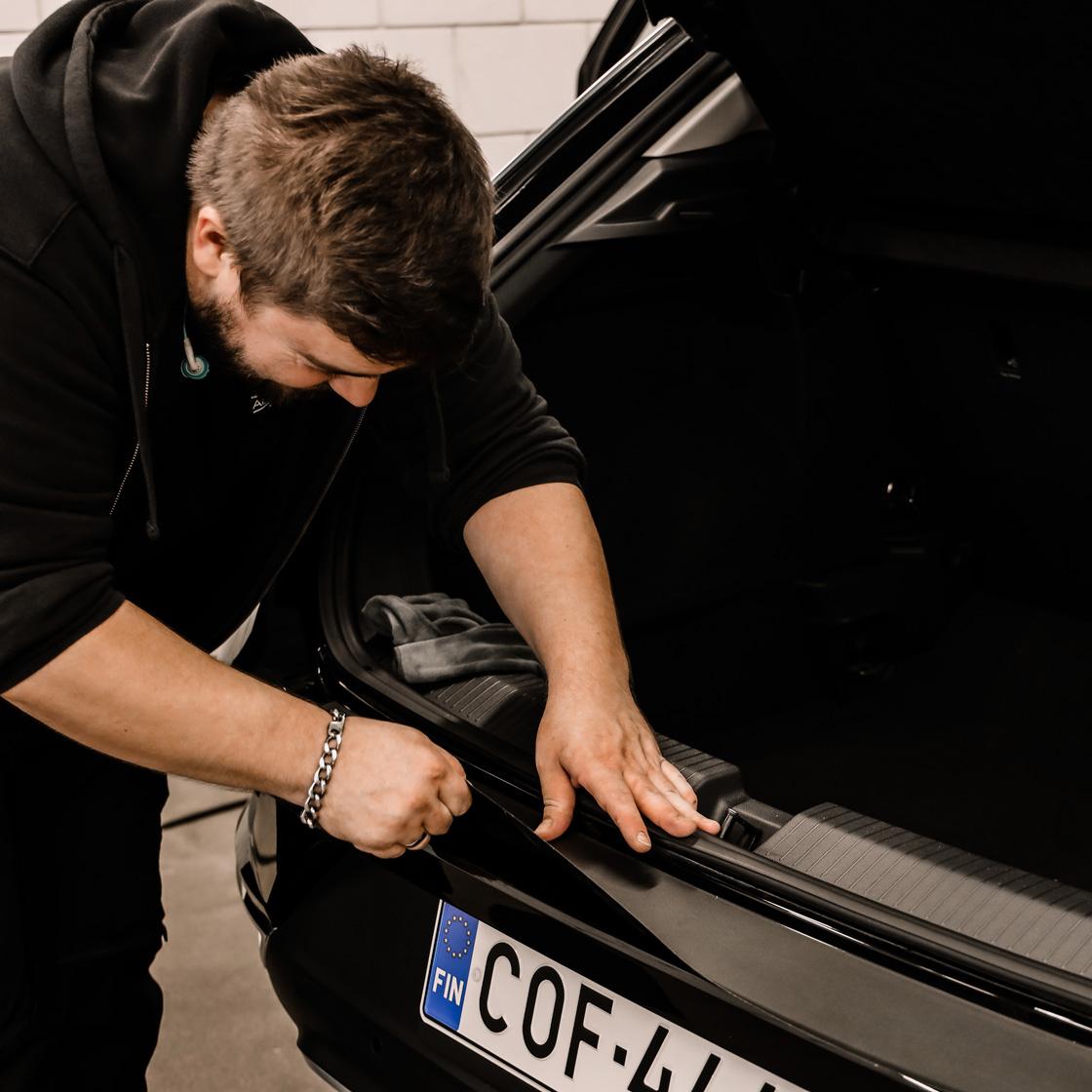 Auton suojateippaus