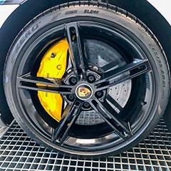 Porschen vanteet ja jarrut