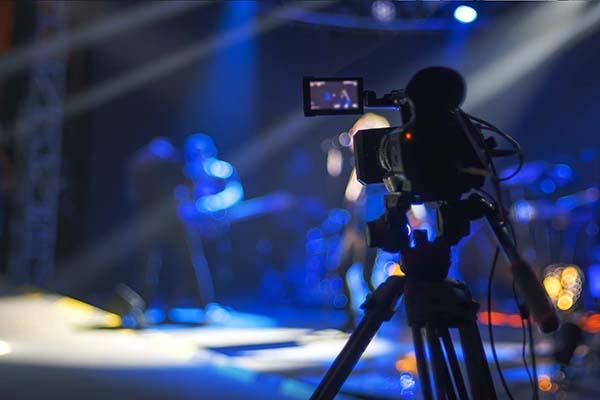 Entertainment-, medie- og immaterialret