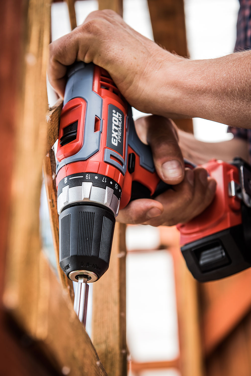 Extol Cordless Drill in action