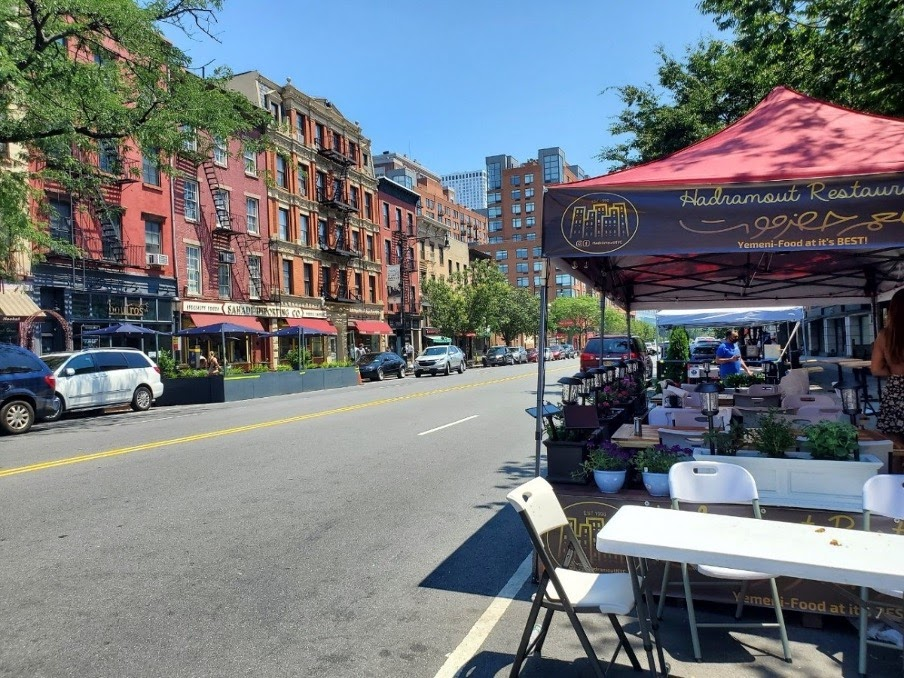 Curbside dining in New York City, curbside parking reinvented