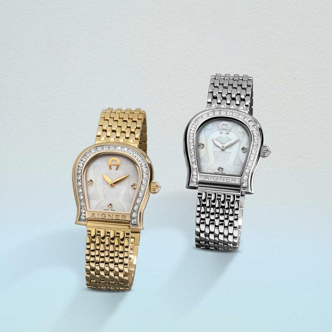 watch design duo de montre fer à cheval or et acier