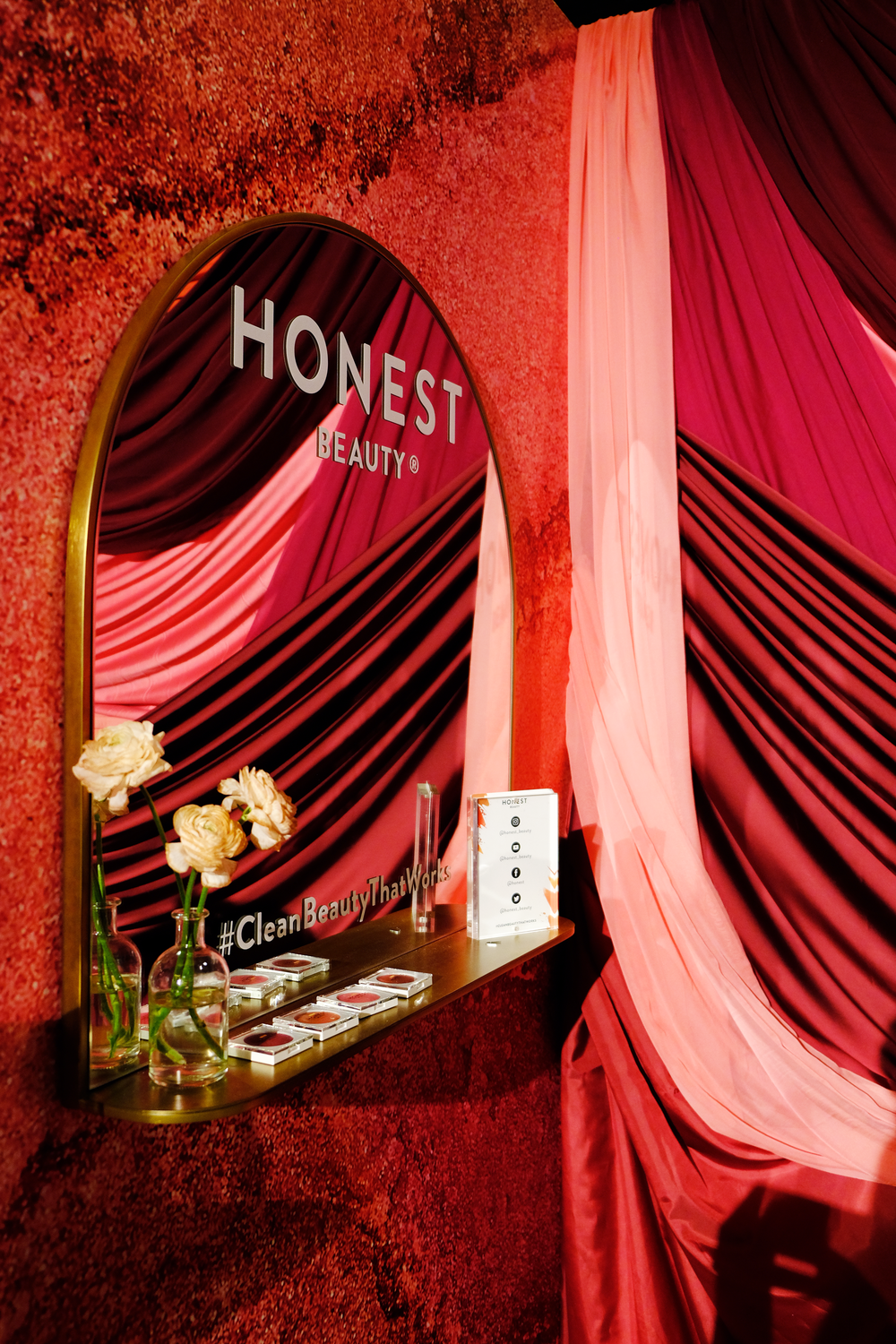 Honest-booth-tradeshow-booth-design-5