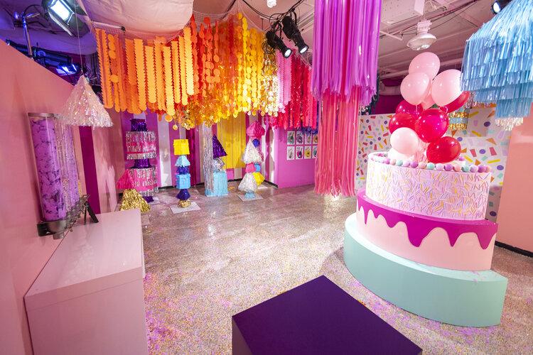 rose mansion-pop-up-design-pop-up cake