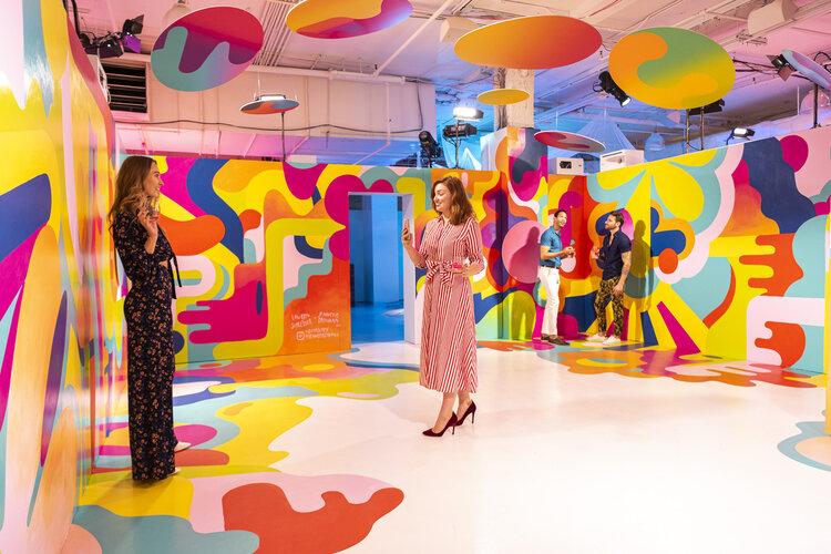 rose mansion-pop-up-design-people in room