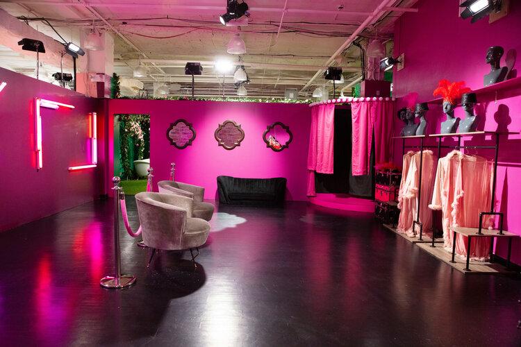 rose mansion-pop-up-design-french room