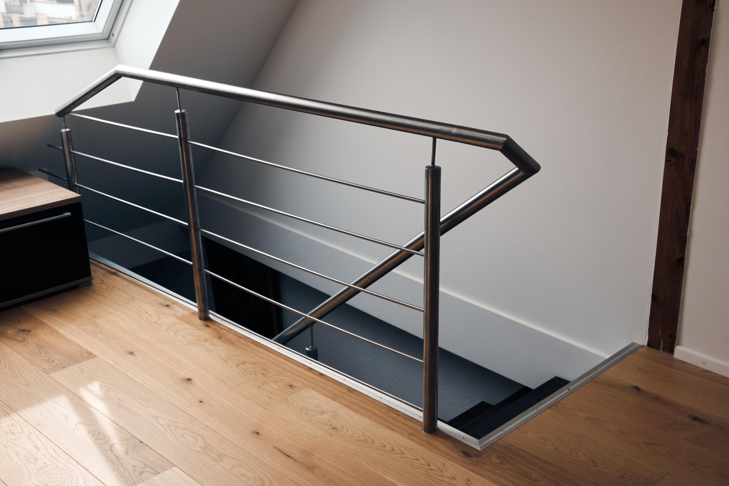 Stahl und Metallbau vom Treppen