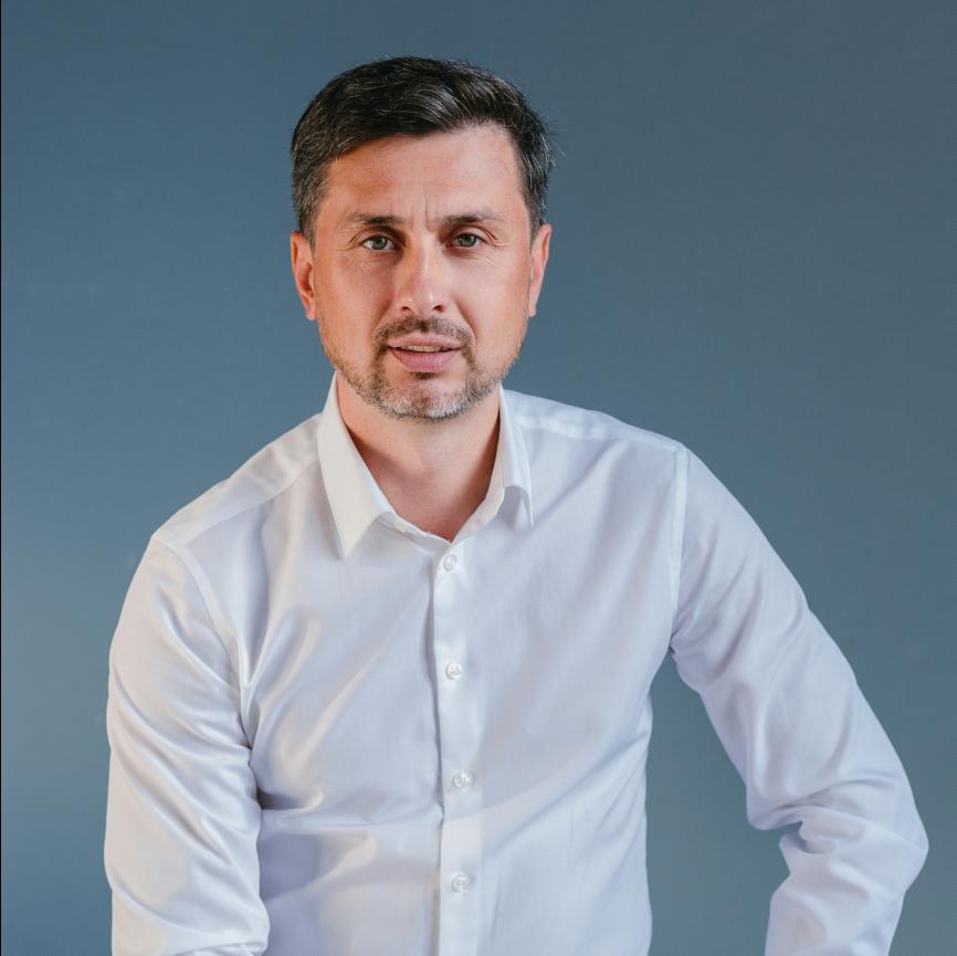 Юрий Дручинин, нанимает в bereza.ru