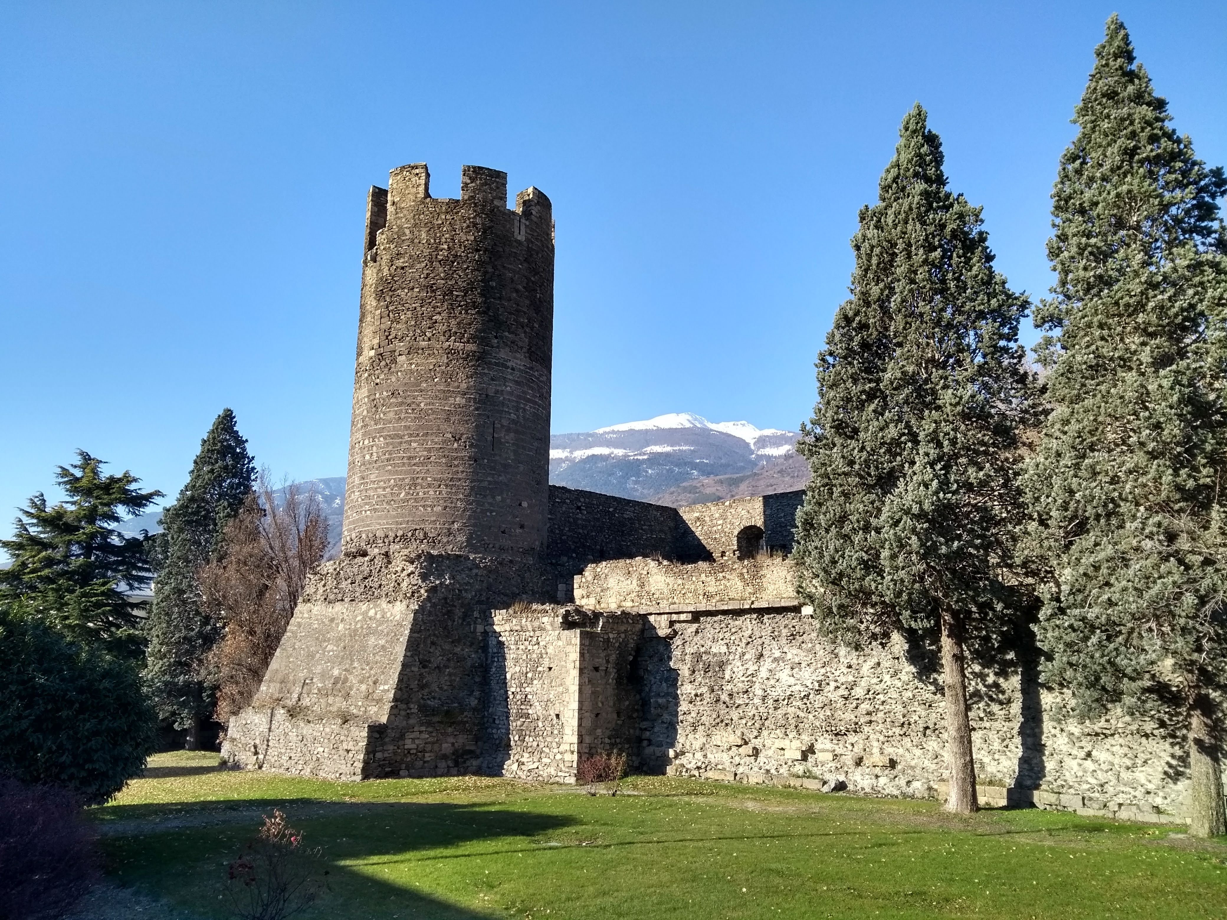 Aosta Valley castles and sights