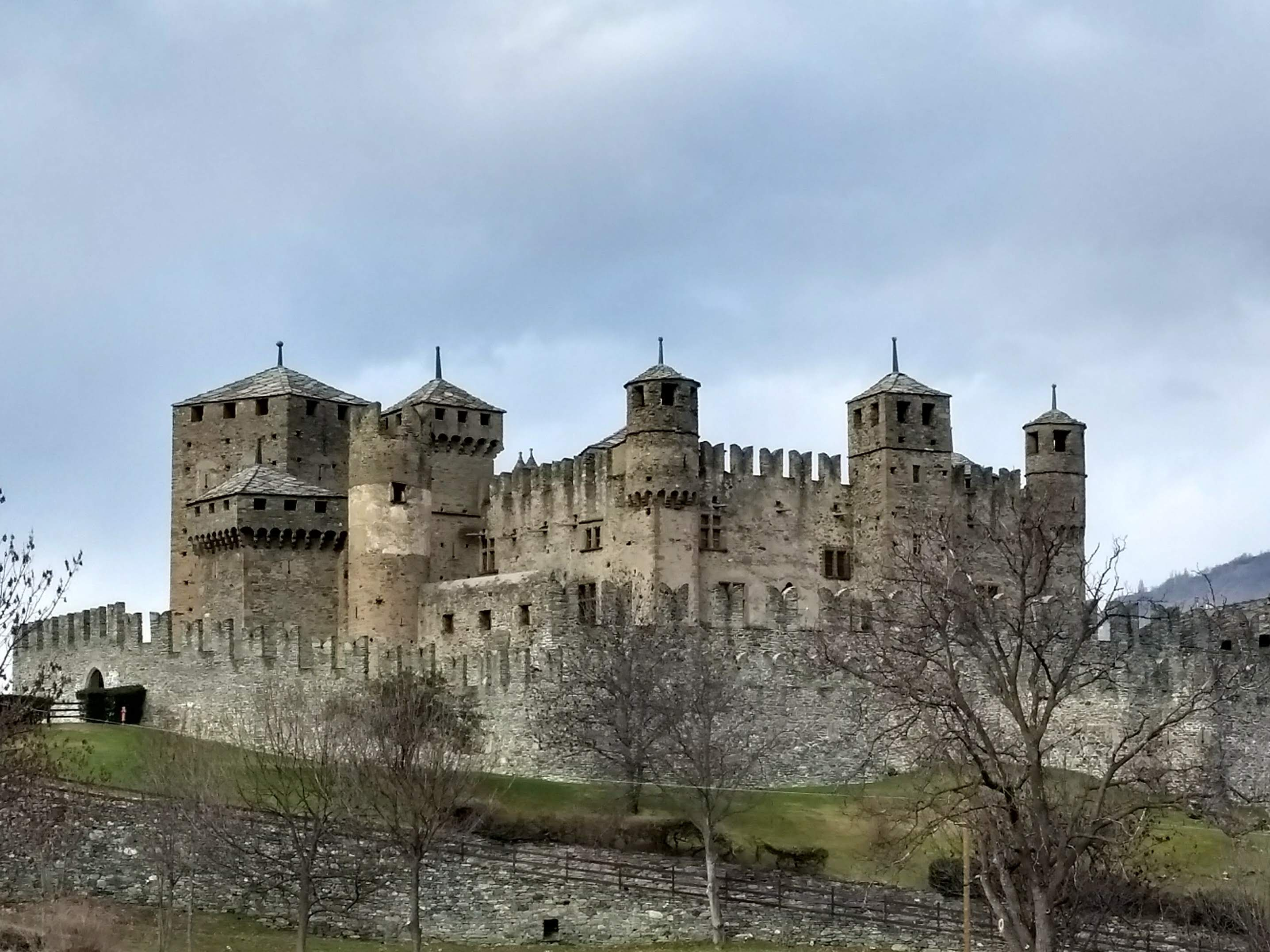 Castles and ruins of Aosta Valley guided tour