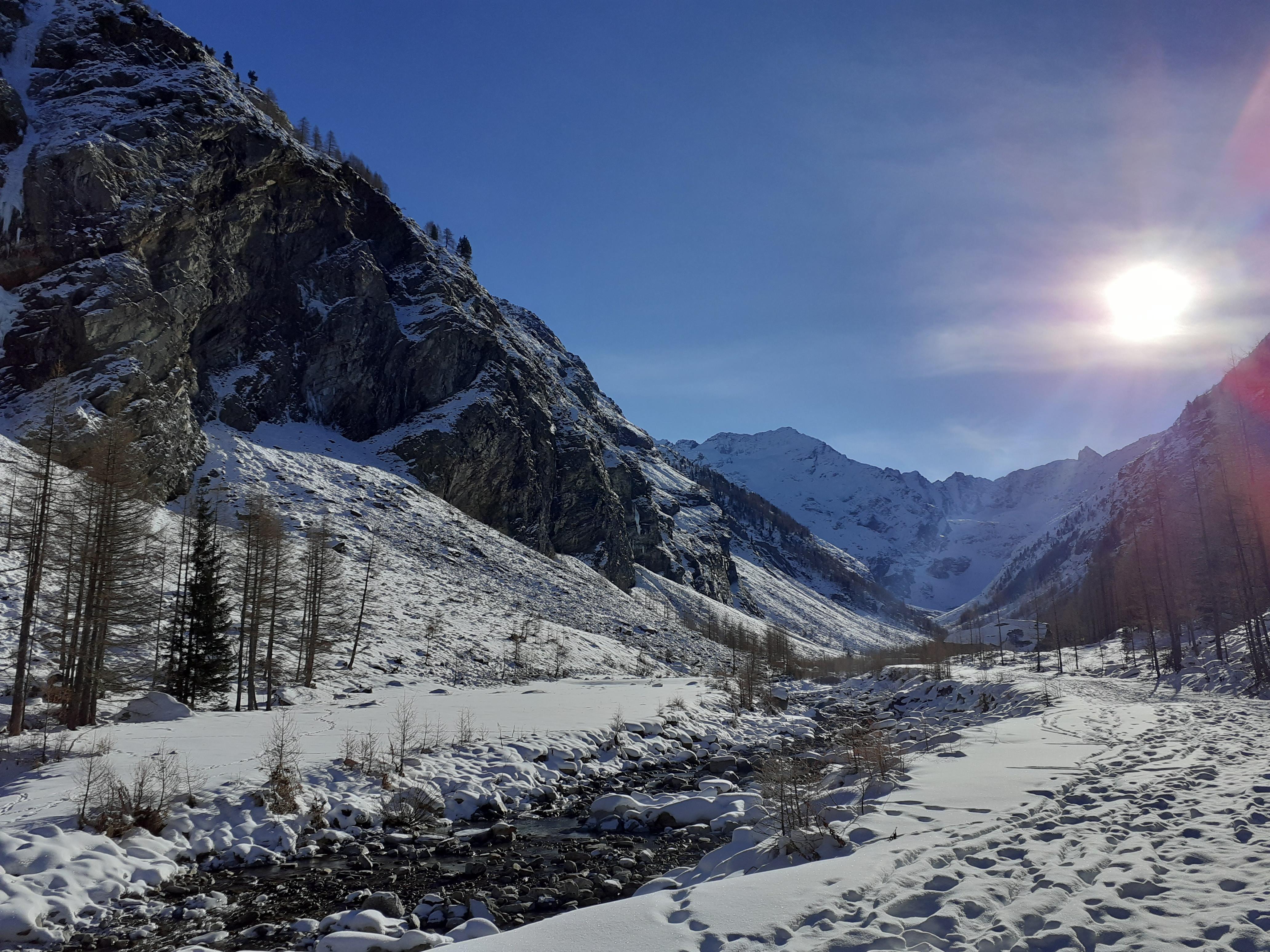 aosta valley snowshoe trek