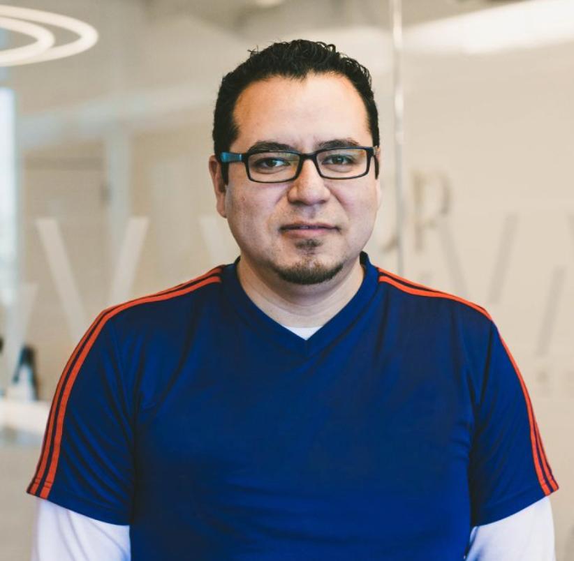 Oscar Sanchez Ayala, He/Him, Senior iOS Engineer