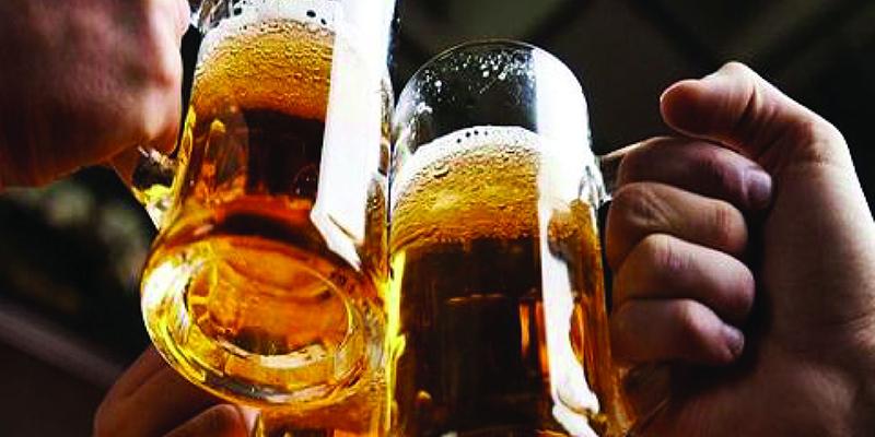 Tác hại của việc uống bia vào ngày có kinh nguyệt