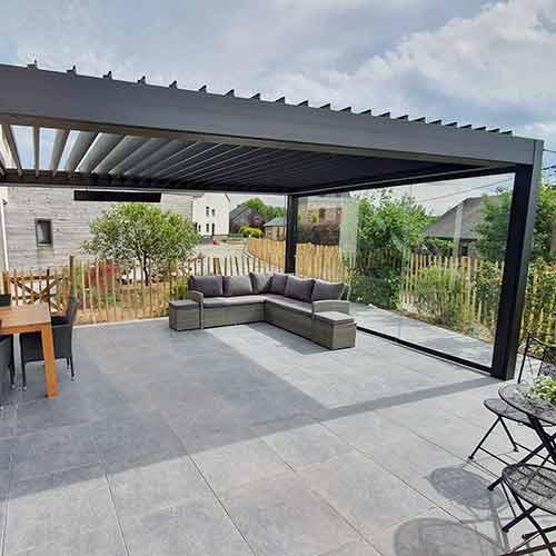 banne solaire aluminium terrasse maison