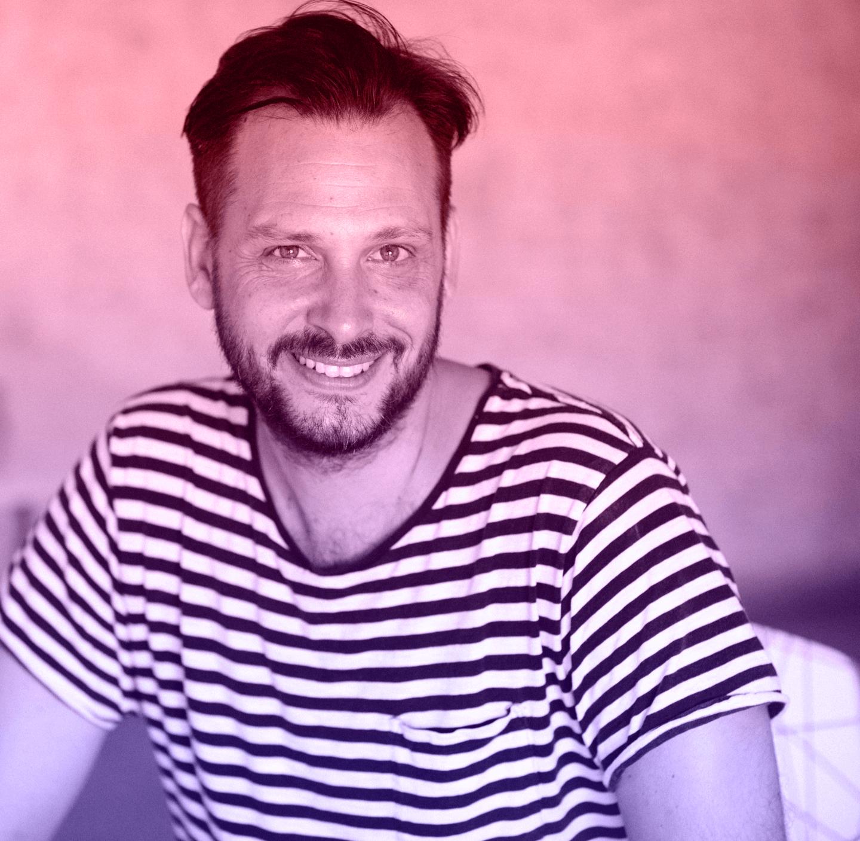 אליק גורקי - Elik Gurki -דג זהב למעצבים
