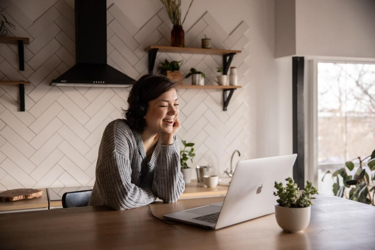 7 benefits of hiring someone to do my online classes