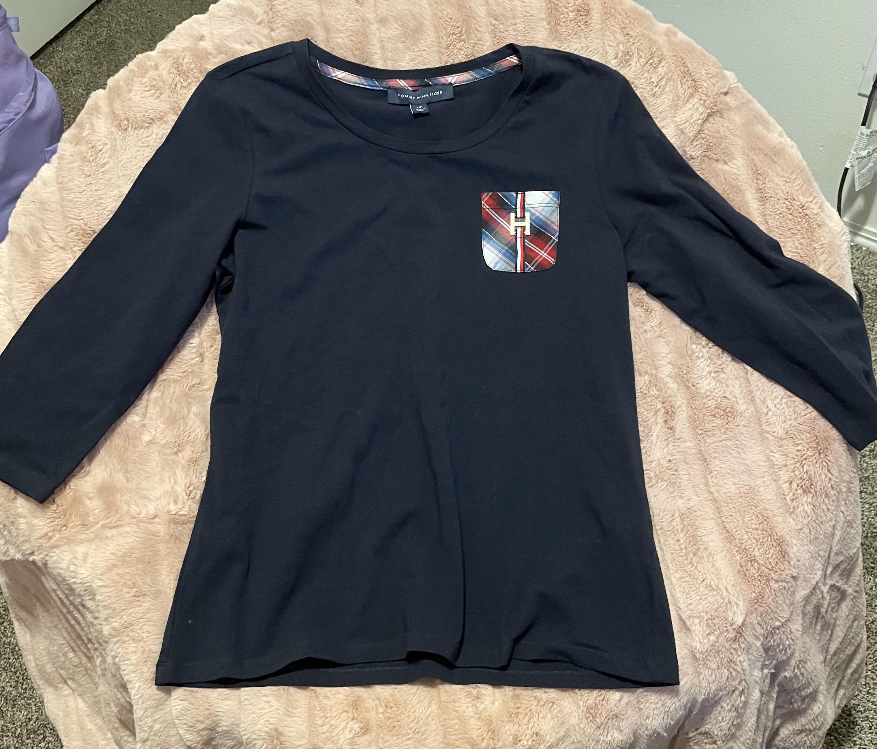 Tommy Hilfiger 3/4 Length Sleeves   Plaid Pattern   H Emblem   Women's Small Shirt
