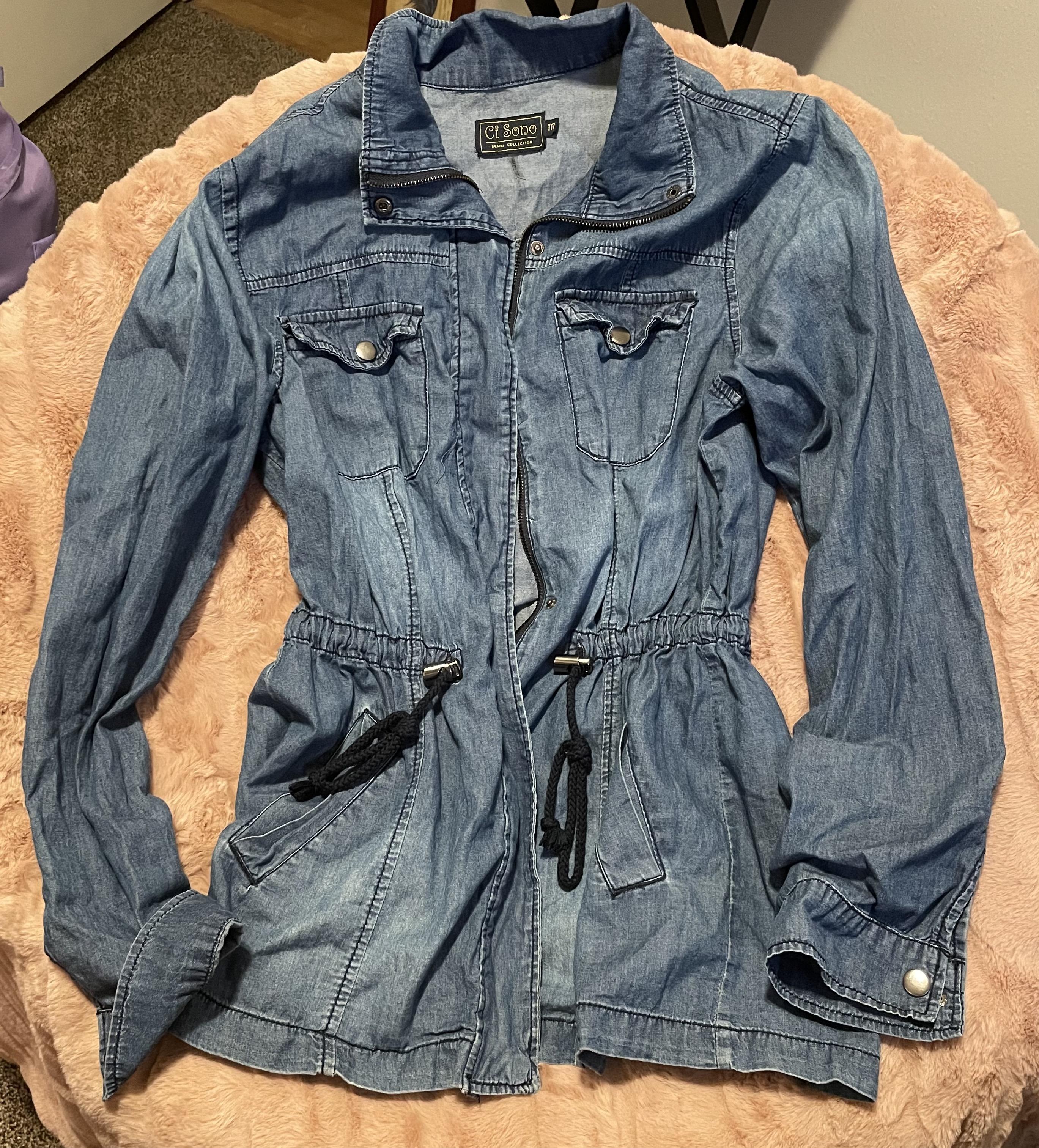 Ci Sono Denim Shacket   Zip Up Medium Wash Jean Jacket   Sinched Tied Adjustable Waste  Women's Medium Long Sleeve Shirt