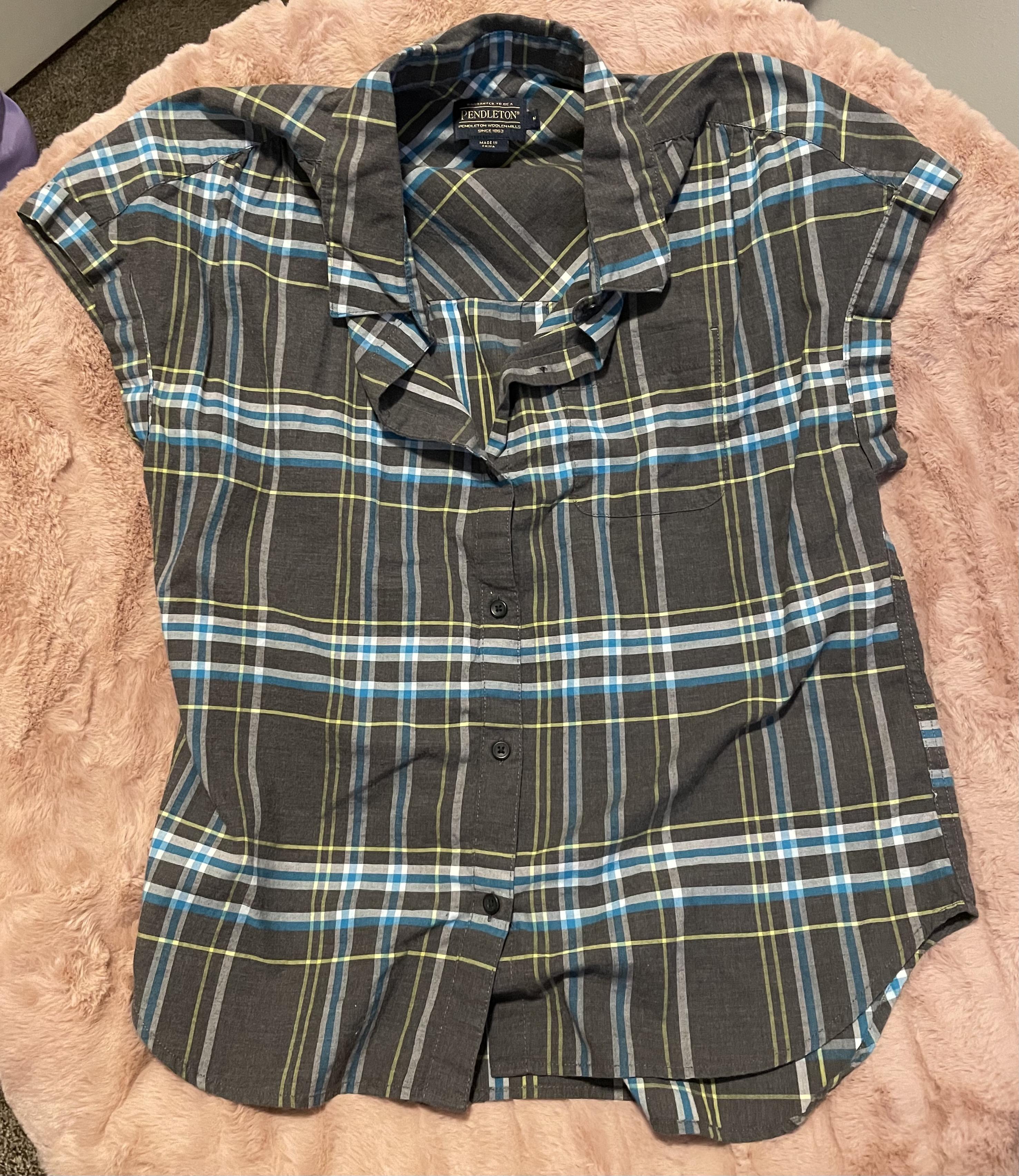 Pendleton Woolen Mills   Plaid Vest Shirt   Blue, Grey, Yellow Plaid   Fitted Women's Vest   Size Women's Medium