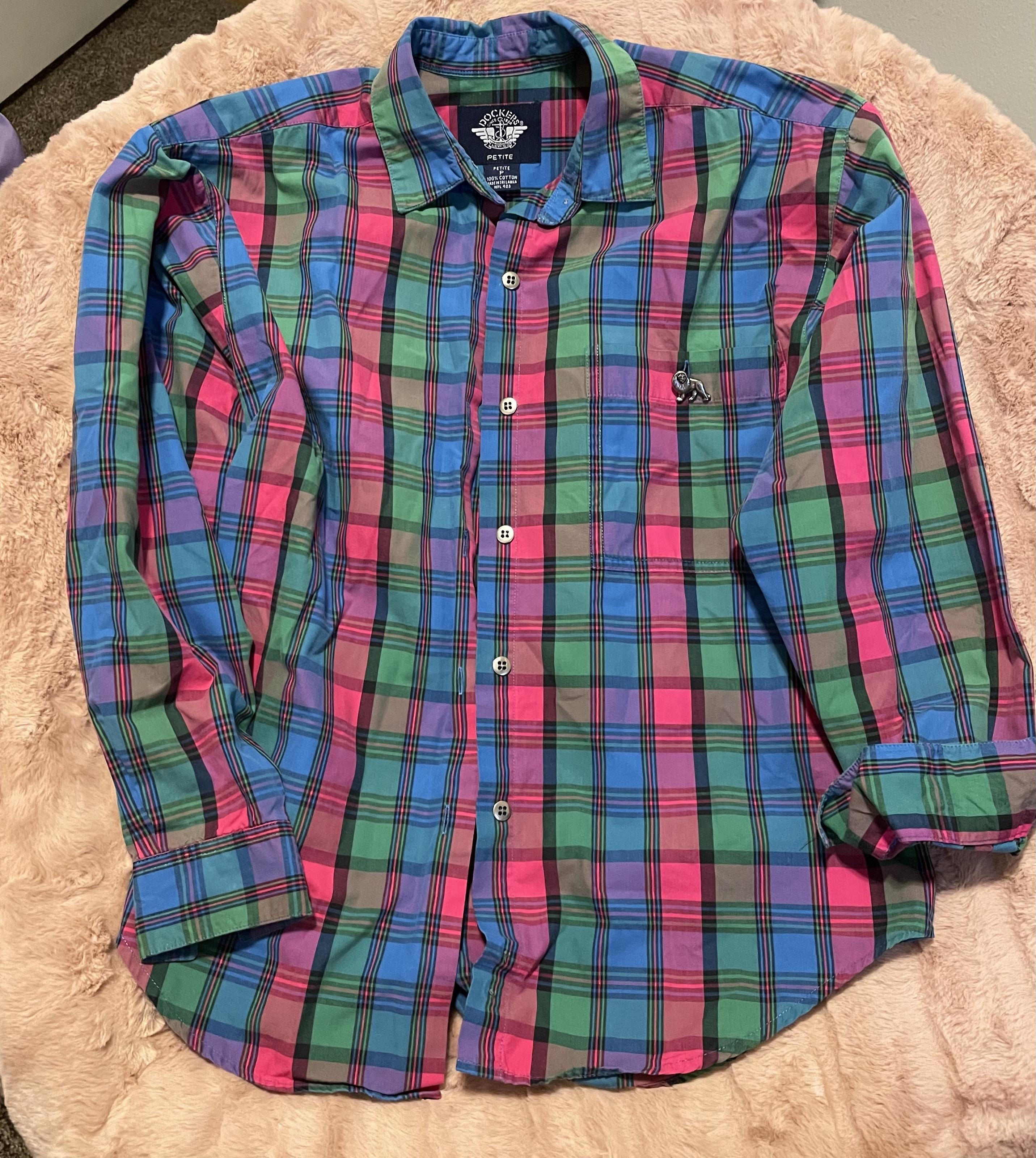 Levi's Dockers Colorful Plaid Long Sleeve Shirt   Pink, Blue, Green Plaid   Metal Lion Button Detail   Women's Size Petite