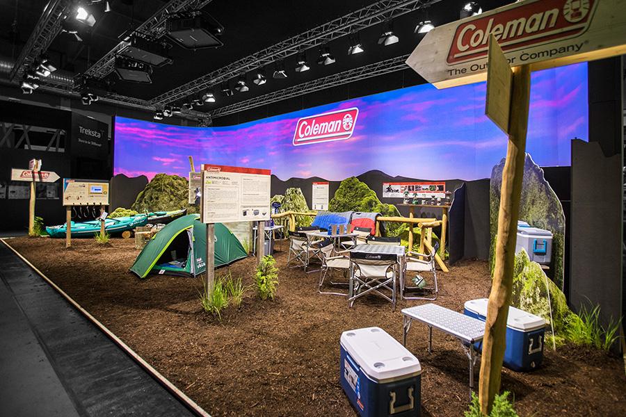 Coleman outdoor camping projection Messestand trade fair booth Messe Ausstellung Shop Retail Kongress München design trade fair booth