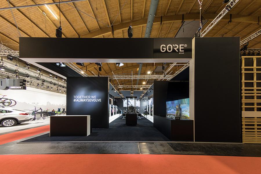 gore wear outdoor clothing Messestand trade fair booth Messe Ausstellung Shop Retail Kongress München design trade fair booth