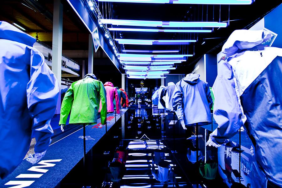 gore tex jackets led lights moving ispo sports Messestand trade fair booth Messe Ausstellung Shop Retail Kongress München design trade fair booth