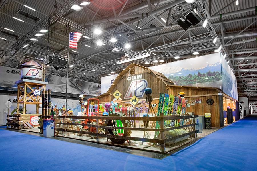 K2 snow barn Scheune Messestand trade fair booth Messe Ausstellung Shop Retail Kongress München design trade fair booth