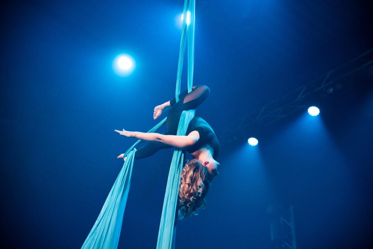 På UKM kan du melde deg på med blant annet trapes-kunst. Foto: UKM Media