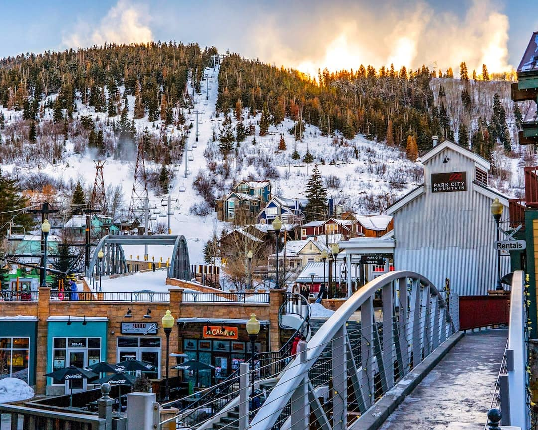 Mountain Towns to Visit in Winter 2021
