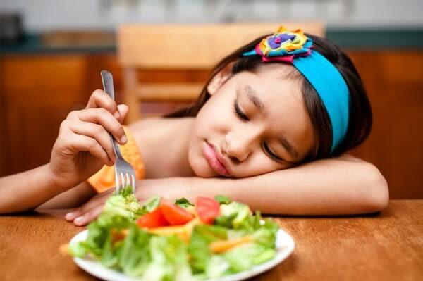 Bổ sung kẽm quá liều khiến trẻ bị rối loạn tiêu hóa, biếng ăn và bỏ bữa