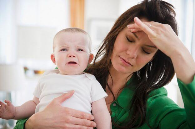 Trẻ ngủ hay giật mình khóc thét ảnh hưởng như thế nào?