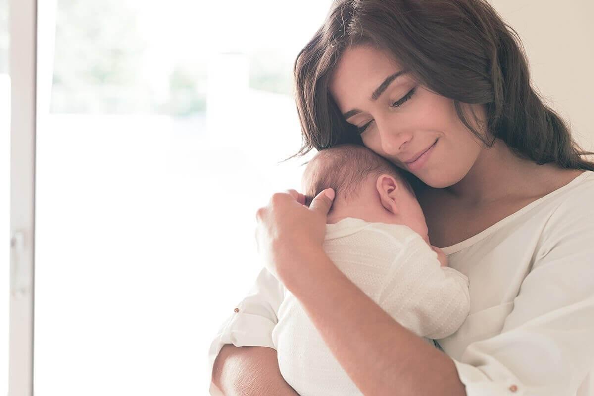 Mẹ cần kiên nhẫn giúp trẻ sơ sinh ngủ ngon giấc hơn