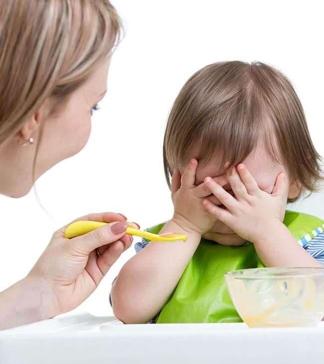 Dấu hiệu nhận biết trẻ biếng ăn