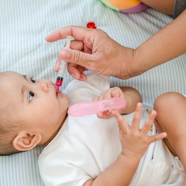 Bố mẹ nên cho con khám sức khỏe định kì 6-12 tháng/ lần