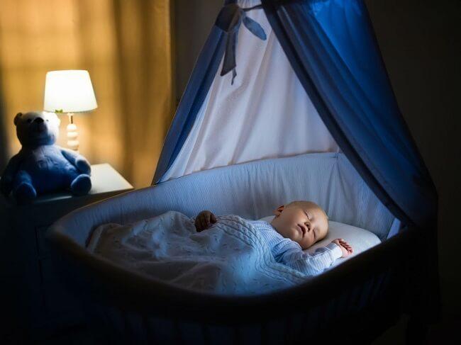 Cho bé nghe nhạc để ngủ ngon hơn