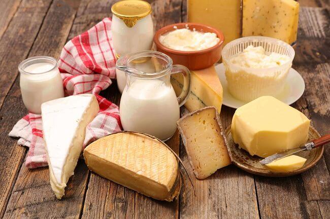 Hạn chế bổ sung các chế phẩm từ sữa khi trẻ bị táo bón.